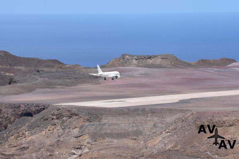 На остров Святой Елены впервые приземлился Airbus